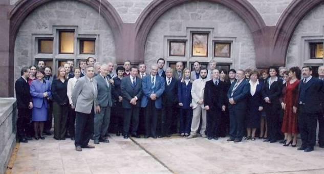 zamestnanci 2003
