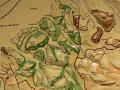 Výrez z reliéfnej geologickej mapy okolia Dubnice nad Váhom, ktorú počas základnej vojenskej služby v rokoch 1971 - 1973 na základe vlastných podkladov zhotovil Jozef Michalík. Dnes je tento model súčasťou geologickej expozície v Dubnickom múzeu