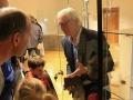 Vladimír Porubčan návštevníkom Dubnického múzea rozpráva o meteoritoch